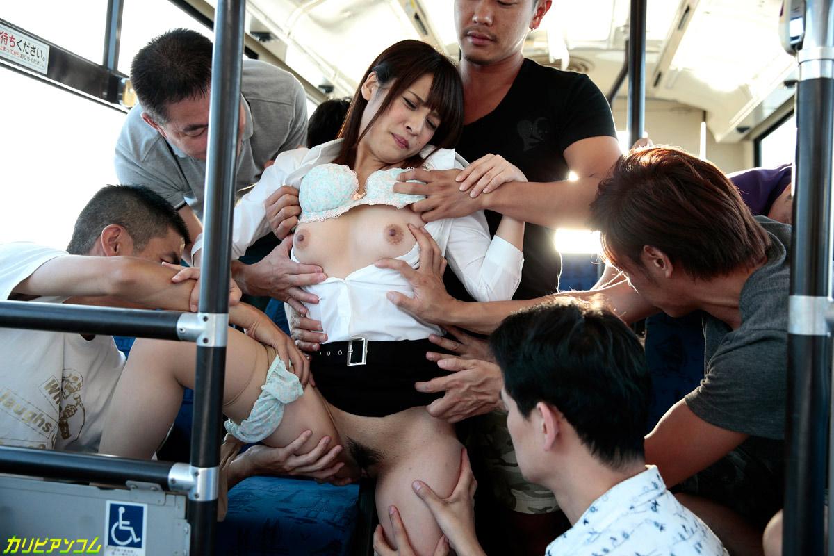 Фото секс азиатки в автобусе реальное