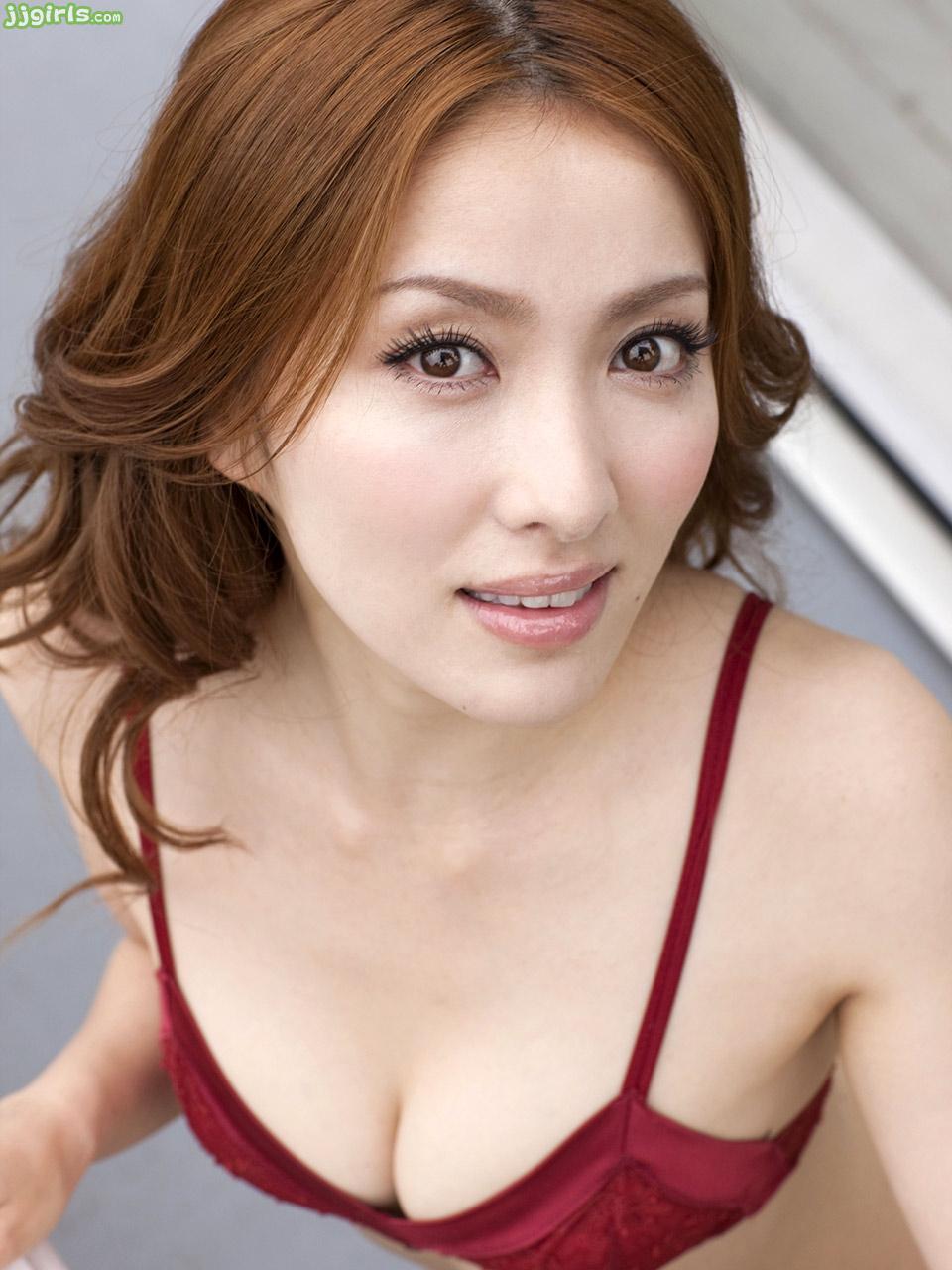 Adult gallery model